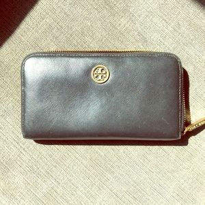 Tory Burch Robinson Leather Continental